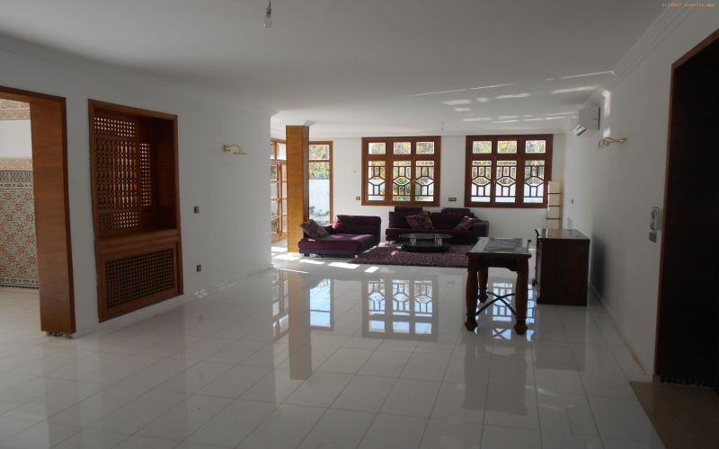 ea_villa_en_location_situ__e____Rabat_Souissi___31
